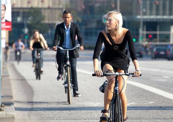 Primeşti bani, lună de lună, ca să mergi cu bicicleta la serviciu! În ce oraş se oferă suma şi în ce condiţii 1