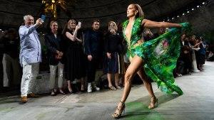 Versace Women's Spring-Summer 2020 – Fashion Show