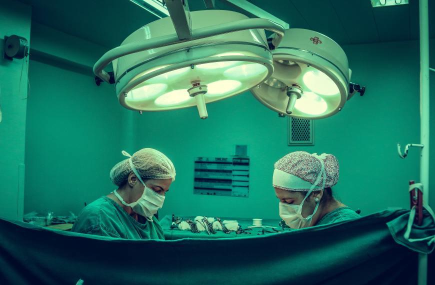 Cancer ovarian la 75 de ani cu metastaze. Cum s-a vindecat?