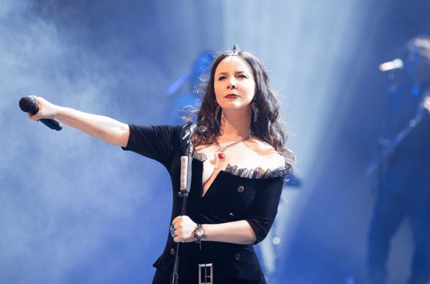 The 13 Most Popular and Attractive Turkish Women Singers 4