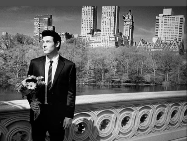Lea Michele aduce un omagiu pentru colegii ei din Glee, Naya Rivera și Cory Monteith ... deoarece trupul actriței a fost găsit la a șaptea aniversare a morții actorului 3