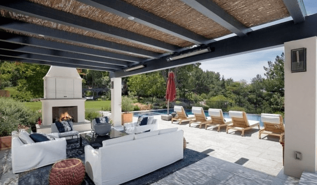 Justin Bieber and his wife have purchased a massive $25.8 million mansion in the private Beverly Park community 7