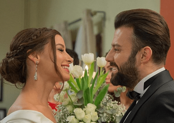 6 Secvențe Video din Kiralik Așk cu Barıș Arduç și Elçin Sangu.Un serial fascinant! 8