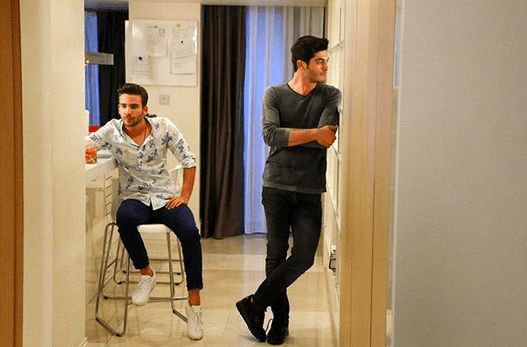 Aşk Laftan Anlamaz (Dragostea nu înțelege cuvintele) cu Hande Erçel și Burak Deniz-Serial de comedie romantică 9