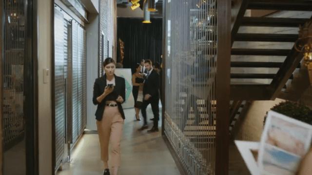 İyi Günde Kötü Günde (Zile bune, zile rele) Episodul 3 cu Elçin Sangu,Yasemin Allen și Ozan Dolunay. Secvențe Video 12