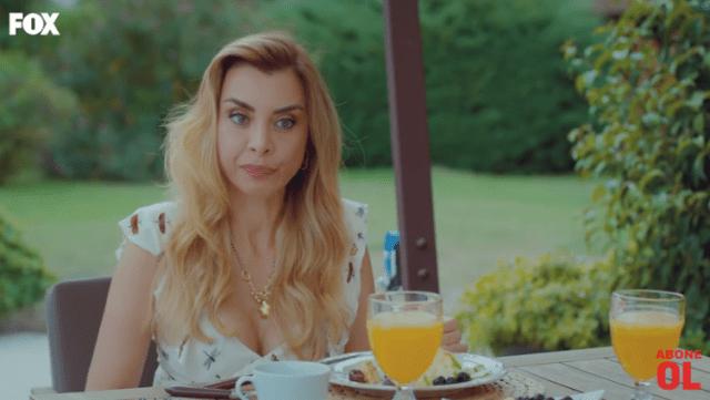 Episodul 10 din Sen Çal Kapımı (Bate la ușa mea) cu Hande Erçel și Kerem Bürsin. Secvențe Video 14
