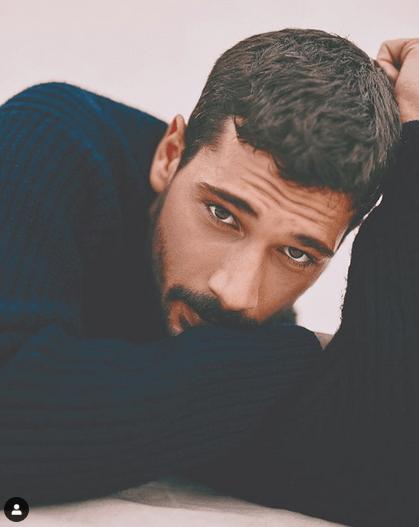 Deniz Can Aktaş, 27 de ani, unul dintre actorii favoriți din Menajerimi Ara (Sună-mi impresarul) 11