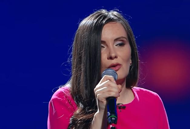 Simona Smultea, 32 ani, pe scena X Factor. Jurații au fost fascinați de optimismul și prestația ei 3