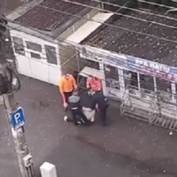 Femeie, 48 ani, băgată cu forța în ambulanță pentru că nu voia să poarte mască și să se legitimeze. S-a întâmplat în Cluj-Napoca
