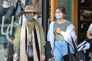 Jessica Alba, 39, puts safety first during shopping spree with her daughters Honor and Haven