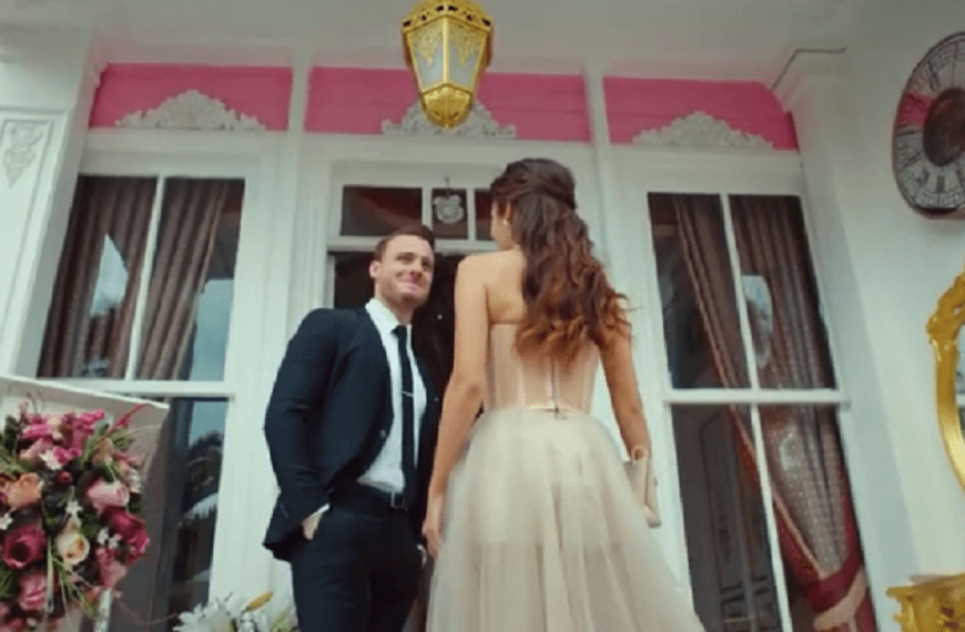 Episodul 12 Sen Çal Kapımı (Bate la ușa mea) cu Hande Erçel Și Kerem Bürsin.Secvențe Video