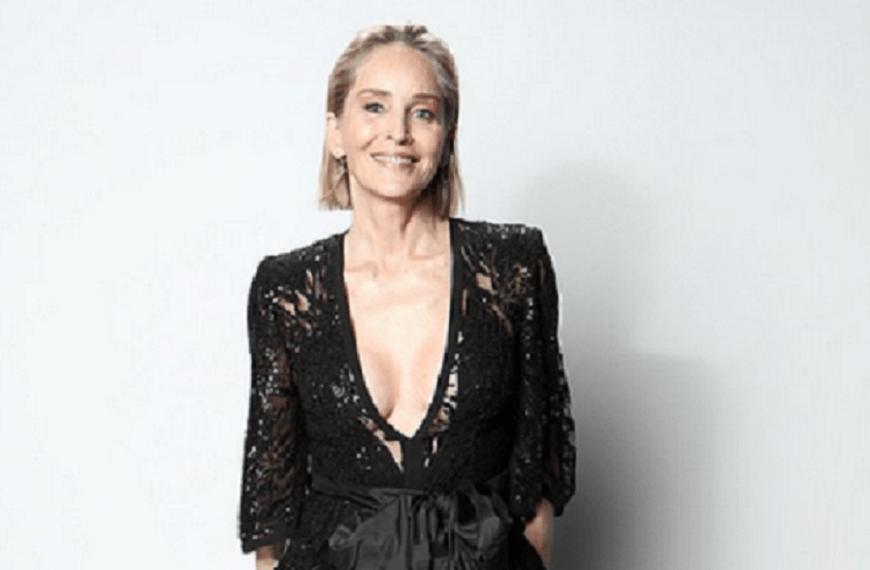 Sharon Stone, 60 ani, pozează provocator pe Instagram într-un body
