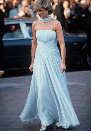 """8 costumes from """"The Crown"""" inspired by Princess Diana's best fashion moments 17"""