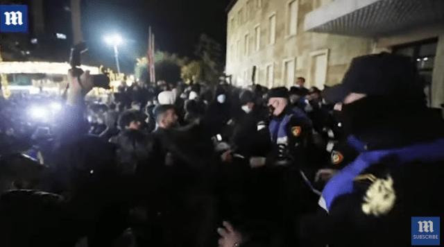 Proteste în Albania după ce poliţia a ucis un tânăr care nu respecta regulile anti-COVID 4