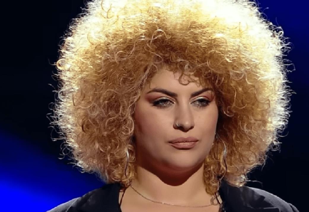 "Semifinala X Factor: Sonia Mosca, Italia, semifinalista Deliei cântă piesa ""Listen"""