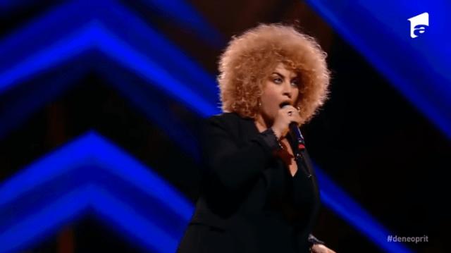 "Semifinala X Factor: Sonia Mosca, Italia, semifinalista Deliei cântă piesa ""Listen"" 3"