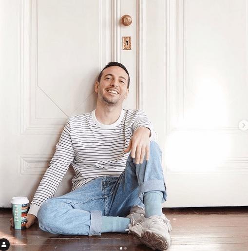 Demet Özdemir are o relație cu cântărețul Oguzhan Koç 5