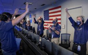 Nava spațială Perseverance a ajuns cu bine pe Marte