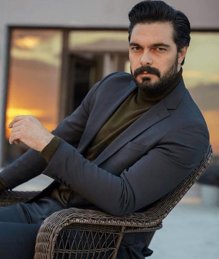 Cine este Halil Ibrahim Ceyhan, actorul din serialul Emanet? 2