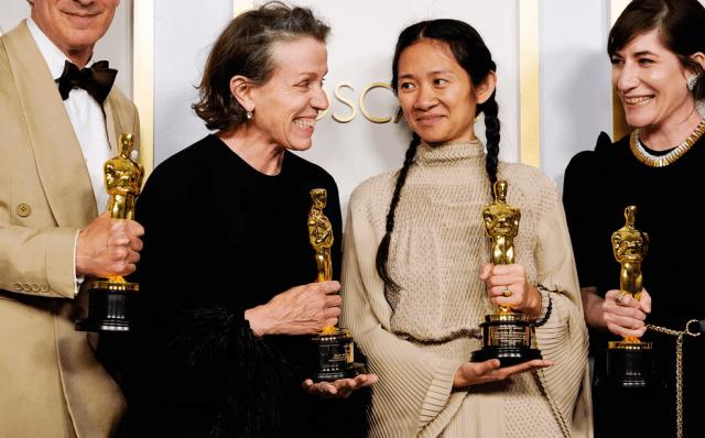 """""""Nomadland"""", Premiul Oscar pentru Cel mai bun film"""