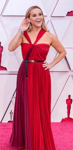 Covorul roșu Premiile Oscar 2021: cele mai bine îmbrăcate vedete 3
