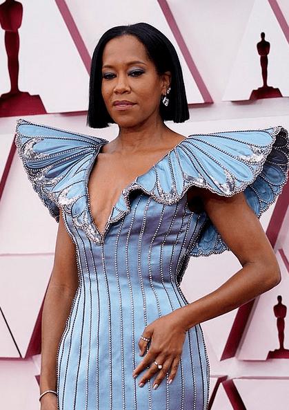 Covorul roșu Premiile Oscar 2021: cele mai bine îmbrăcate vedete 12