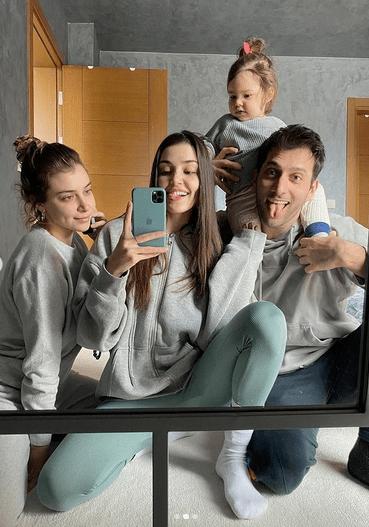 Dragostea lui Hande Erçel pentru nepoata ei 4
