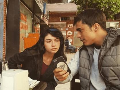 Hazar Ergüçlü: actrița din Turcia cu o carieră impresionantă 2