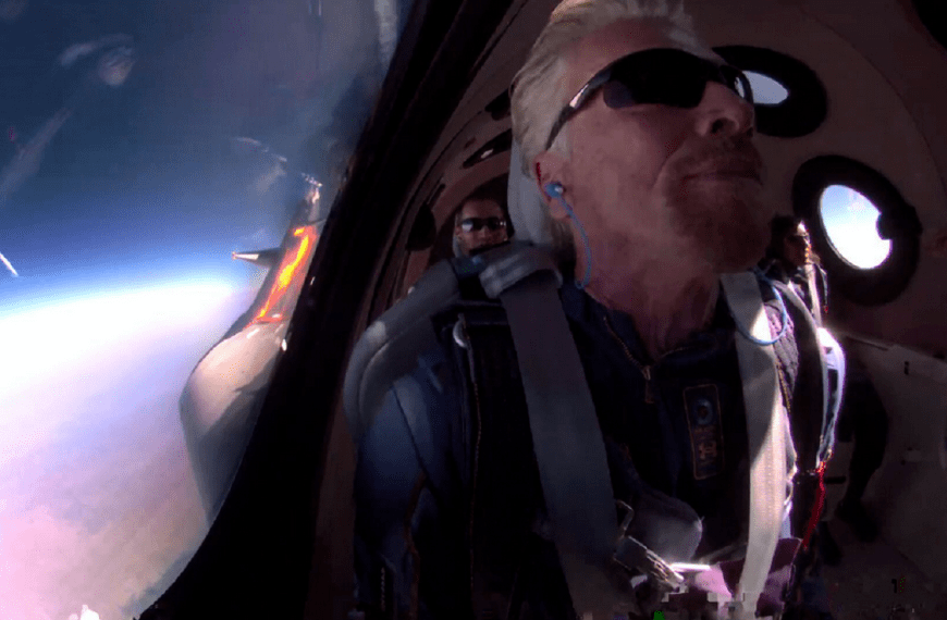 Richard Branson, on his Virgin Galactic rocket plane, becomes first billionaire to get to space