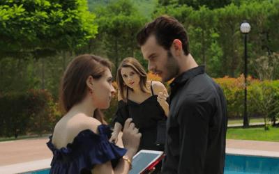 Aytaç Șașmaz și Cemre Baysel în Baht Oyunu