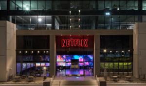 Netflix obligă actorii să se vaccineze în cazul producțiilor din SUA