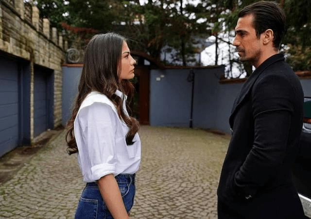 Actorul İbrahim Çelikkol într-o ipostază romantică alături de soție 1