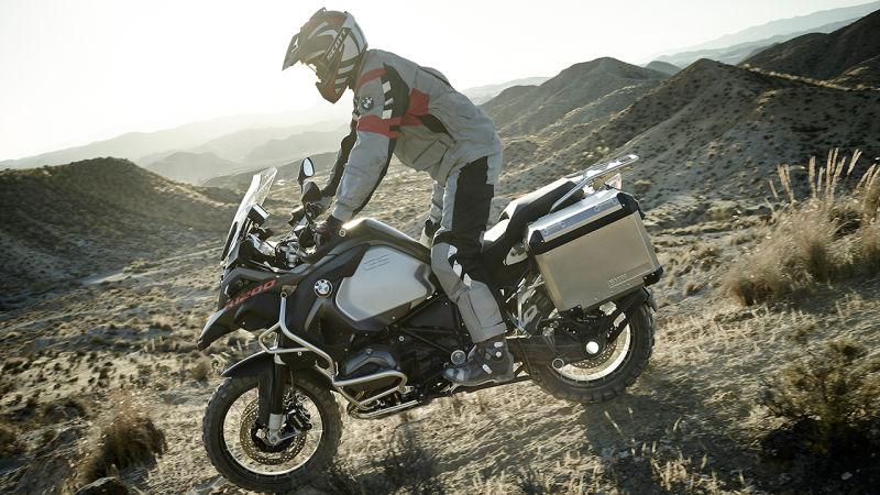 enduro motorcyle handling