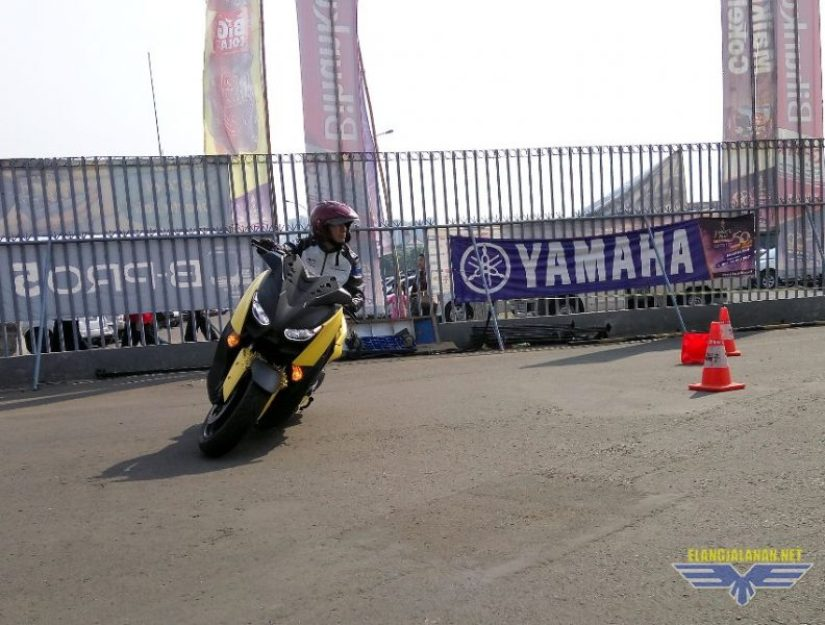 Test Ride Singkat Yamaha XMAX 250