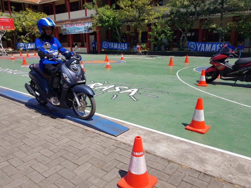 Yamaha Gelar Kompetisi Safety Riding tingkat SMA, Ajarkan Yuuk_Selamat Bareng Yamaha