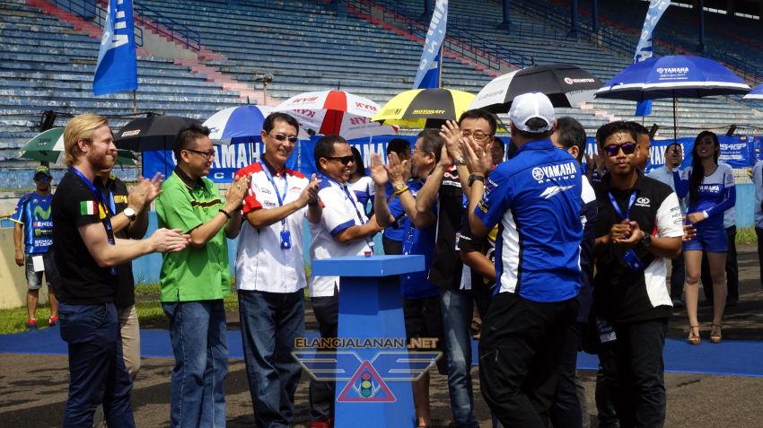Galang Hendra Pimpin Victory Lap