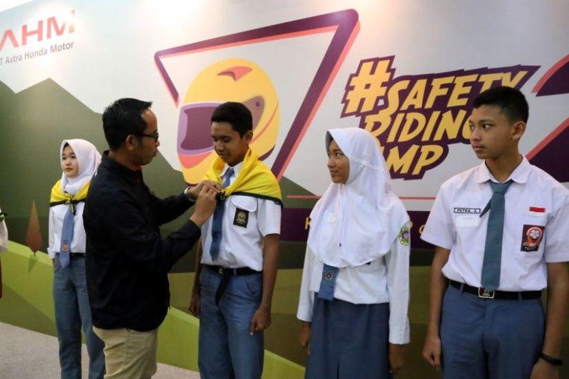 Pelajar Jago Ngeblog dan Safety Riding