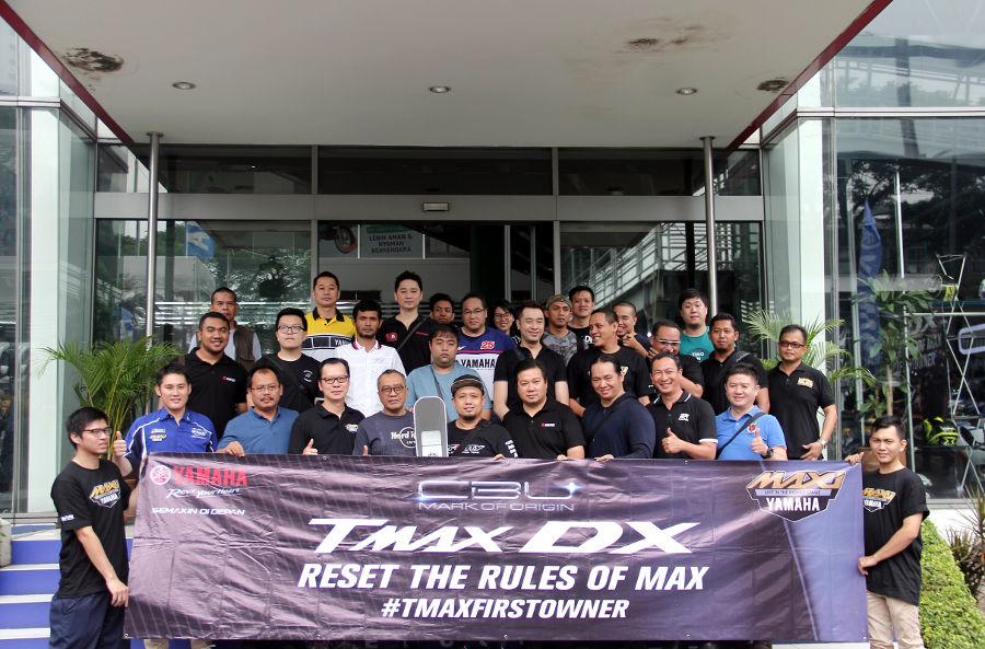 Yamaha Resmi menyerahkan TMAX DX ke Konsumen