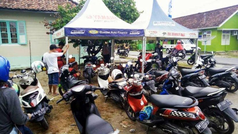 Yamaha Salurkan Bantuan Korban Banjir Muntok