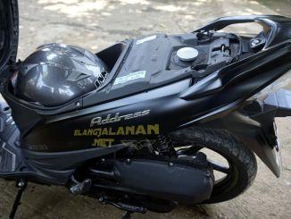 Suzuki Address FI Muat Satu Helm Full Face