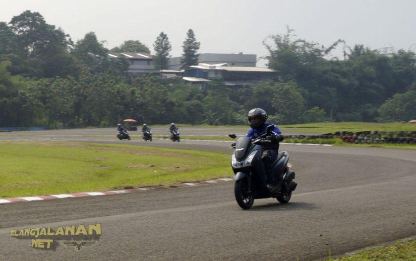 Test Ride Yamaha Lexi