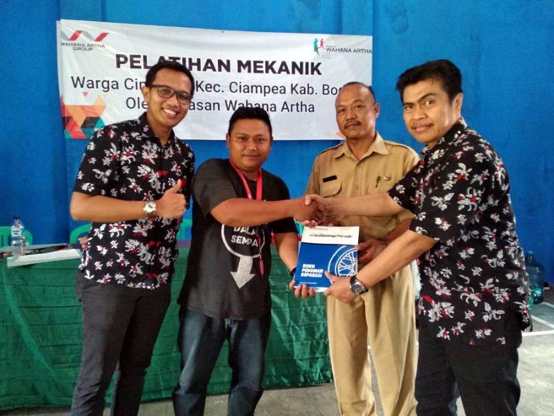 Yayasan Wahana Artha Berdayakan Masyarakat Desa Cinangka untuk Bangun Bengkel Umum