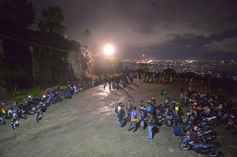 700 Bikers Meriahkan Suzuki Saturday Night Ride Yogyakarta
