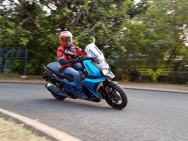 First Ride BMW C400X Indonesia