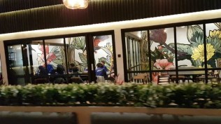Podium Cafe Mekar Motor
