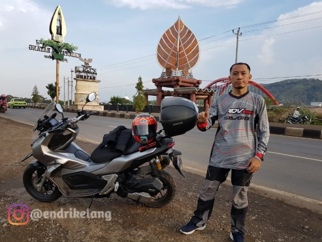 Review Celana Gunung Avaress