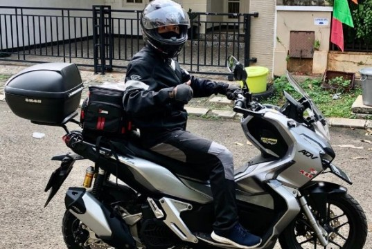 Hobi Riding dibayarin