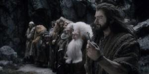 Dwalin, Bombur, Glóin, Nori, Ori, Dori y Thorin en Erebor
