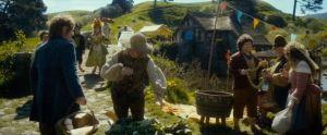Bilbo en el mercado de Hobbiton