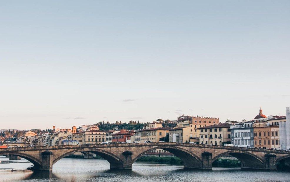 cuanto sale un viaje a italia